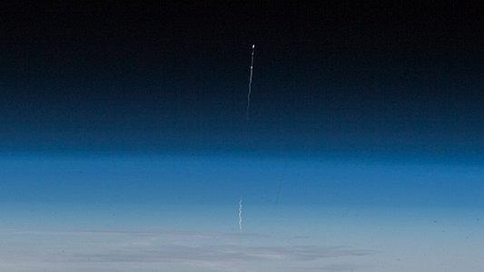 Foto aus der ISS vom Abbruch des Starts von Sojus MS-10 - Foto © NASA ESA Alexander Gerst