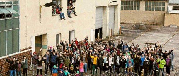 Die Unterstützer der Idee eines Soziokulturellen Zentrums auf dem alten Schlachthofgelände – Foto © Andre Helbig