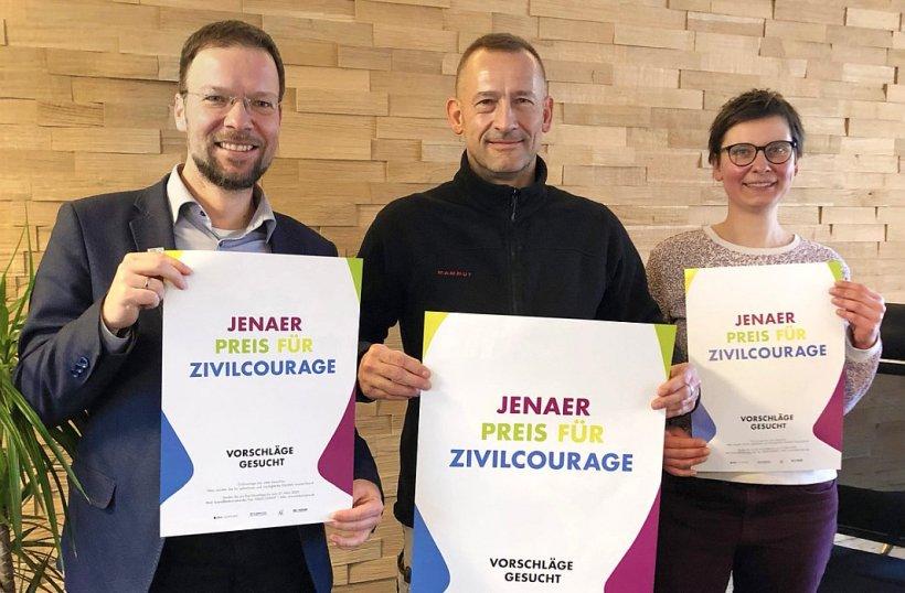 Oberbürgermeister Thomas Nitzsche, Heiko Krabbes, Koordinatorin Nicole Schneider. - Foto Kristian Philler