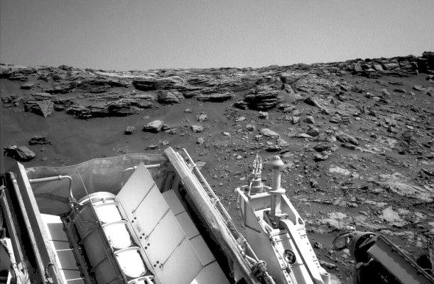 DAs jüngste Foto, das Curiosity auf dem Mars aufgenommen hat, stammt vom und zeigt, wie er weiter den Zentralberg des Gale-Kraters erklimmt. -