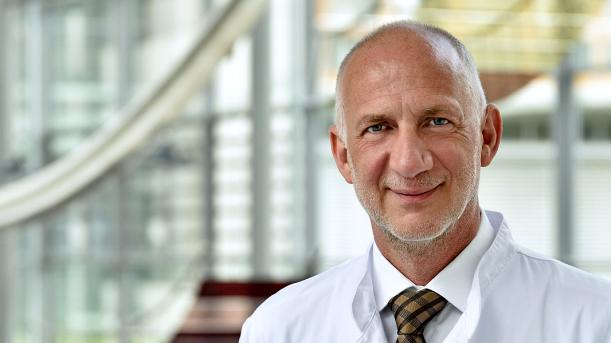 Prof. Dr. Dr. PH Frank Kipp leitet die Krankenhaushygiene am Universitätsklinikum Jena. - Foto UKJ