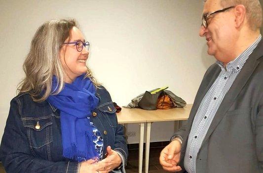 Thüringens Gesundheitsministerin Heike Werner im Gespräch mit Rainer Sauer von Radio Jena. - Foto © MediaPool Jena