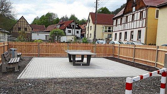 Der neue Tischtennisplatz in Leutra. - Foto KSJ
