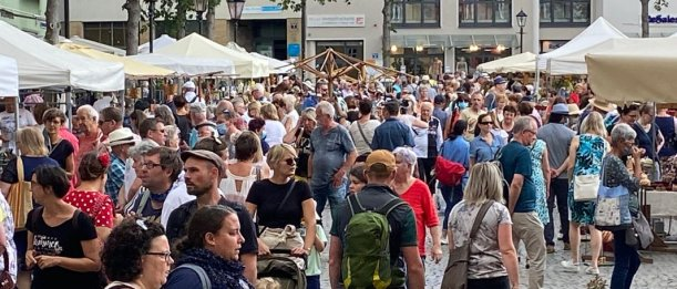 Besucher auf dem Jenaer Töpfermarkt 2020. - Foto MediaPool Jena