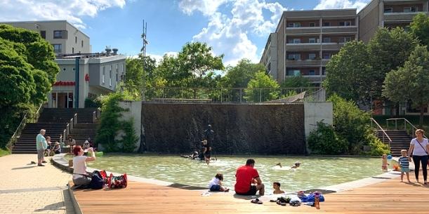 Der Flößerbrunnen in Winzerla - Jenas coolstes Freibad. - Foto © MediaPool Jena